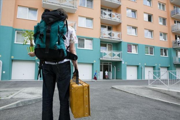 Hypotéky pre mladých ľudí zdraželi. Zarábajú na tom banky aj štát