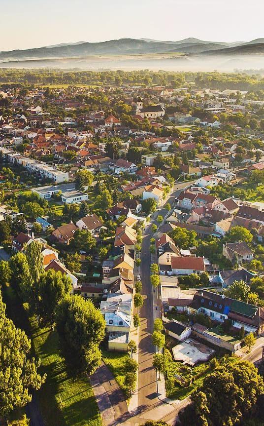 Realitný maklér: Zásadný prepad cien bytov v tomto roku neočakávam