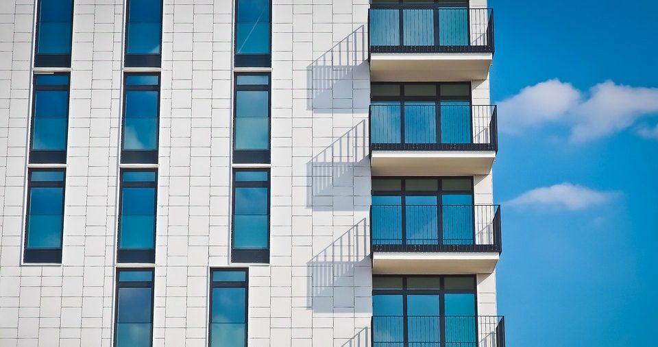 Výstavba napreduje.Vlani bolo dokončených najviac bytov a domov za posledných pár rokov.