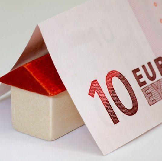Banky v júli schválili hypotéky za 811 mil. €